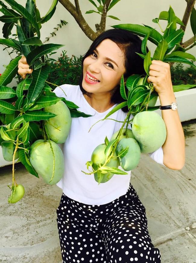 Người đẹp Tây Đô Việt Trinh và ngôi nhà an yên bên khu vườn ngập tràn rau trái - Ảnh 12.