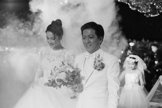 Phía sau giọt nước mắt của Nhã Phương - Trường Giang tại đám cưới là câu chuyện xúc động ít người biết - Ảnh 7.