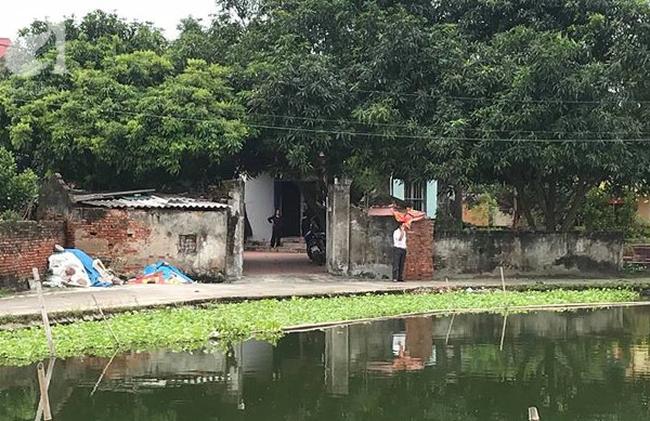 Bà mẹ đơn thân tử vong do thanh sắt rơi trúng trên đường Lê Văn Lương đang trong quá trình đến trường đón con gái - Ảnh 3.