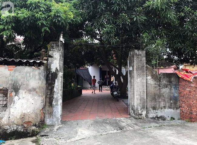 Bà mẹ đơn thân tử vong do thanh sắt rơi trúng trên đường Lê Văn Lương đang trong quá trình đến trường đón con gái - Ảnh 4.