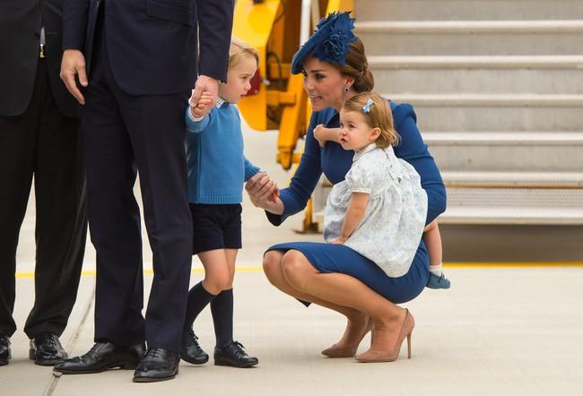 Đây là việc Công nương Kate Middleton luôn làm mỗi khi con mè nheo, cáu gắt và nó thực sự hiệu quả - Ảnh 3.