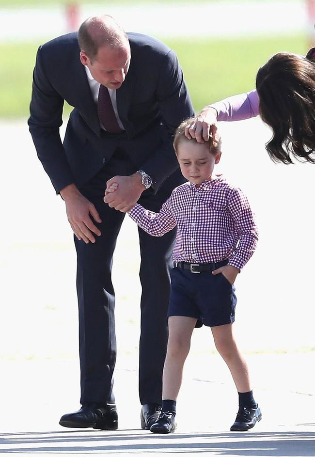 Đây là việc Công nương Kate Middleton luôn làm mỗi khi con mè nheo, cáu gắt và nó thực sự hiệu quả - Ảnh 4.