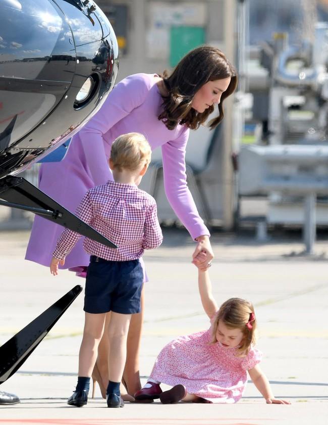 Đây là việc Công nương Kate Middleton luôn làm mỗi khi con mè nheo, cáu gắt và nó thực sự hiệu quả - Ảnh 7.