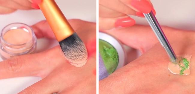Biết được 11 mẹo trang điểm của các chuyên gia truyền lại này, makeup chỉ là chuyện nhỏ với bạn - Ảnh 10.