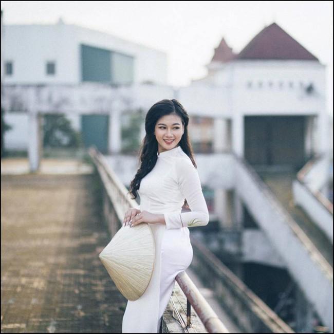 Vẻ đẹp mong manh của Như Phương - cô nàng Quảng Trị sinh năm 1999, đang được cả MXH nghi vấn là người yêu của cầu thủ Đức Chinh - Ảnh 4.