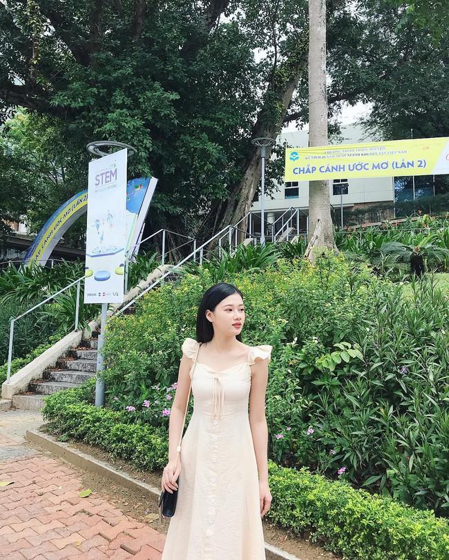 Vẻ đẹp mong manh của Như Phương - cô nàng Quảng Trị sinh năm 1999, đang được cả MXH nghi vấn là người yêu của cầu thủ Đức Chinh - Ảnh 10.