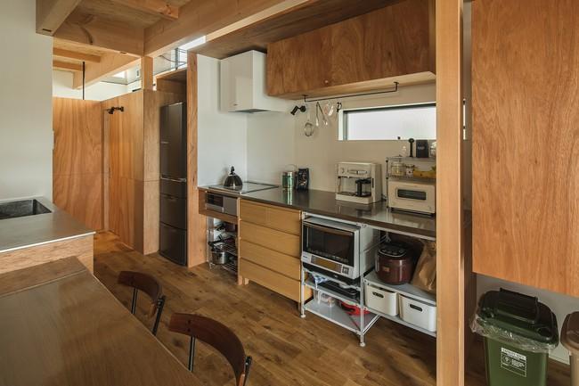Gia đình có 3 con nhỏ vẫn sống thoải mái trong ngôi nhà phố chật hẹp ở Nhật nhờ thiết kế thông minh - Ảnh 7.