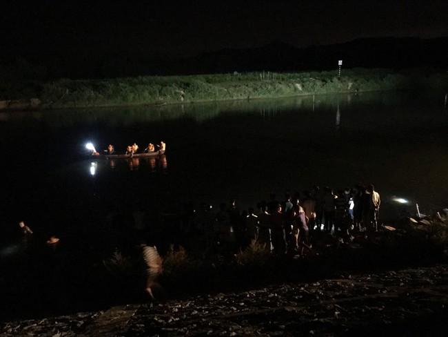 Đi bắt hến dưới sông, bé trai lớp 4 cùng cha đuối nước thương tâm trước ngày khai giảng - Ảnh 2.