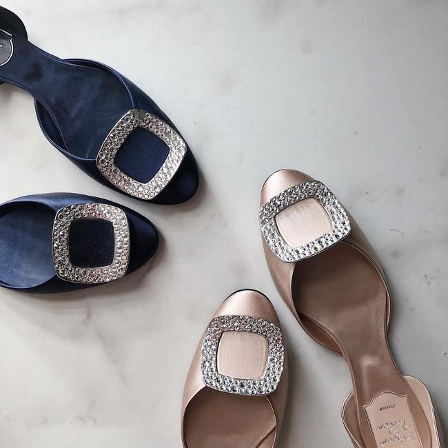 Sau khi kết hôn, Á hậu Tú Anh chỉ chọn đi giày bệt chắc hẳn không phải vì bầu bí mà với lý do cực kỳ tinh tế này - Ảnh 7.