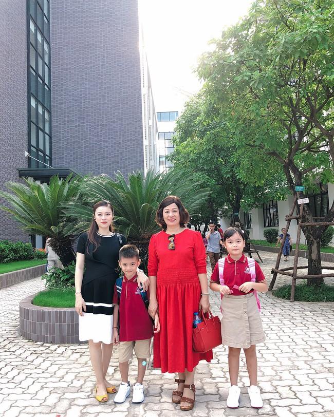 Xem loạt nhóc tỳ nhà sao Việt xúng xính đồng phục dự lễ khai giảng đầu năm học mới - Ảnh 19.