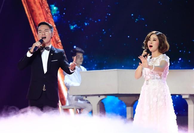Tự tin thị phạm hát nhạc Bolero trên sân khấu nhưng Minh Tuyết lại muối mặt vì quên lời - Ảnh 11.