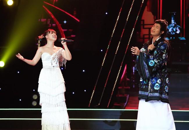 Tự tin thị phạm hát nhạc Bolero trên sân khấu nhưng Minh Tuyết lại muối mặt vì quên lời - Ảnh 12.