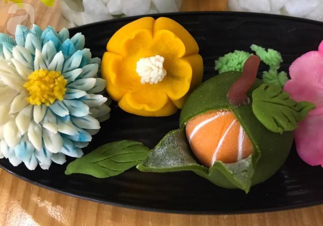 Giảng viên xinh như hot girl chia sẻ cách làm bánh hoa sen đẹp hơn hoa thật ngon mê li - Ảnh 8.