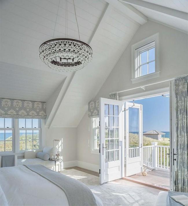 Đã mắt nhìn ngắm những căn phòng ngủ đẹp mơ màng với thiết kế cửa kiểu Pháp - Ảnh 1.