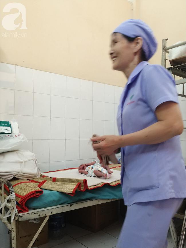Bé Nâu được điều dưỡng làm đầy tháng trong bệnh viện nhưng người mẹ nghiện ma túy vẫn biệt tăm - Ảnh 6.