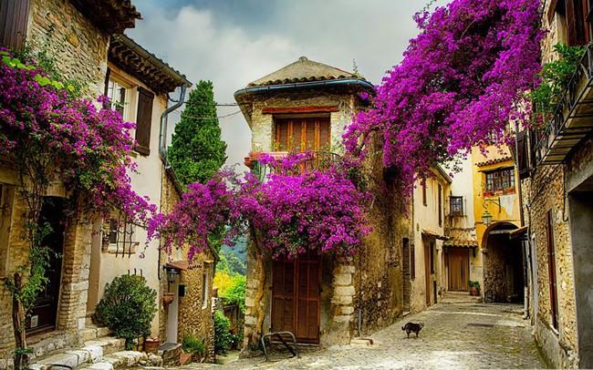 15 ngôi làng đẹp như bước ra từ cổ tích với kiến trúc độc đáo cùng phong cảnh hữu tình - Ảnh 1.