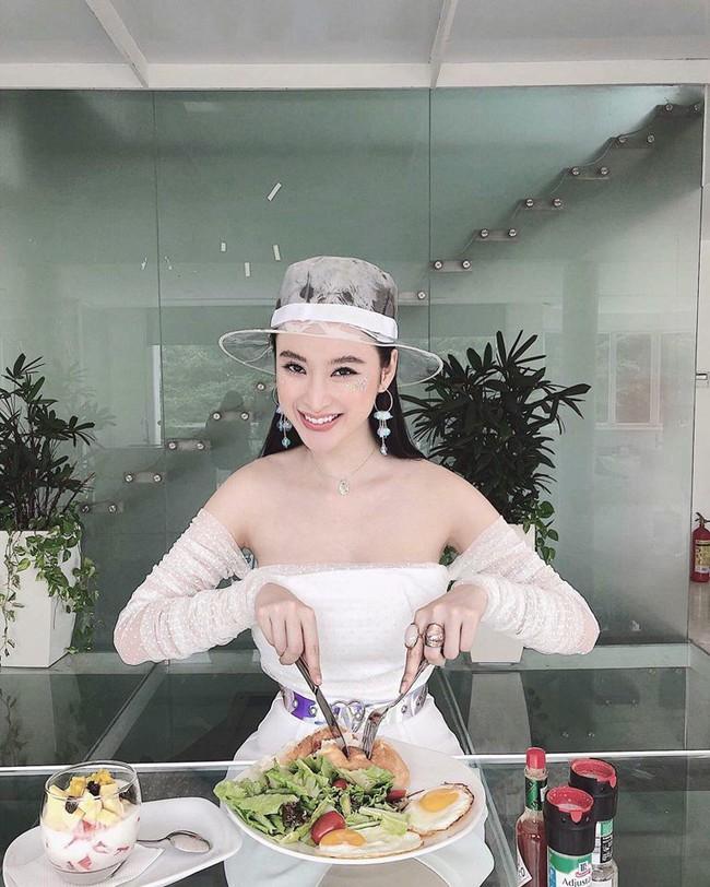 Cùng một chiếc váy: Angela Phương Trinh lồng lộn, Minh Hằng lại quá bánh bèo - Ảnh 3.