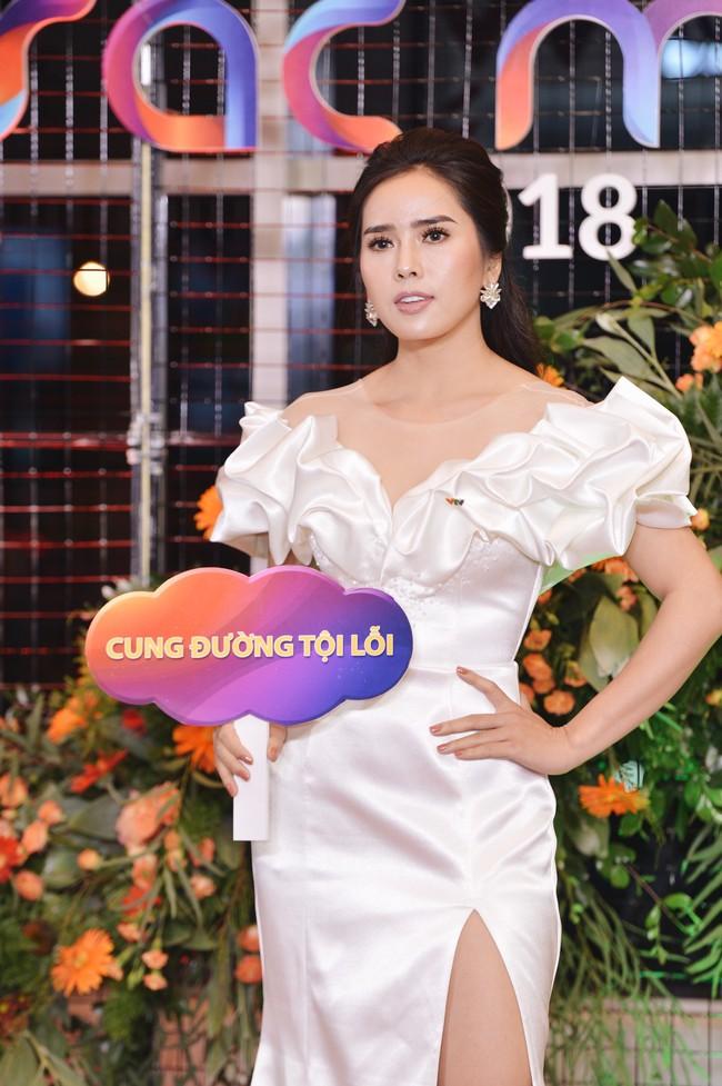 Cặp đôi Cả một đời ân oán Hồng Đăng - Hồng Diễm hội ngộ trên thảm đỏ VTV Awards 2018 - Ảnh 5.