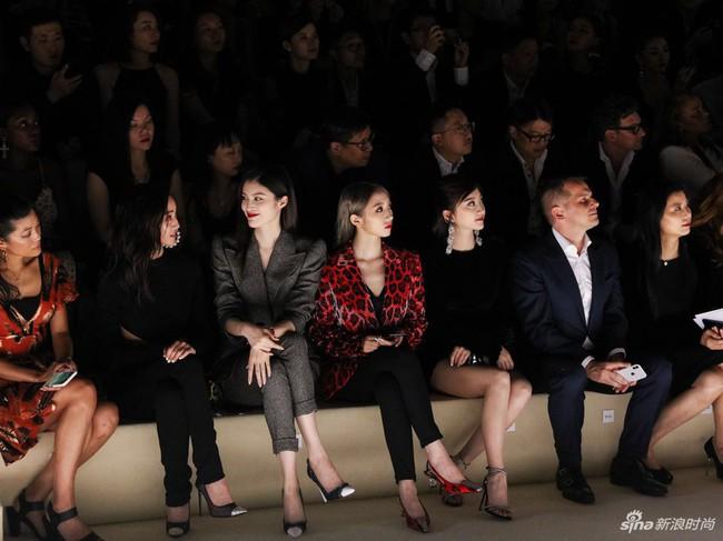 Mặc nguyên cây đồ đen tới dự show Tom Ford, Trương Quân Ninh lấn át cả thiên thần Victorias Secret tại Tuần lễ thời trang New York - Ảnh 14.