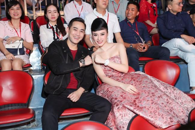 Angela Phương Trinh diện váy khoe vai trần gợi cảm, sánh đôi Hứa Vĩ Văn dự sự kiện - Ảnh 5.