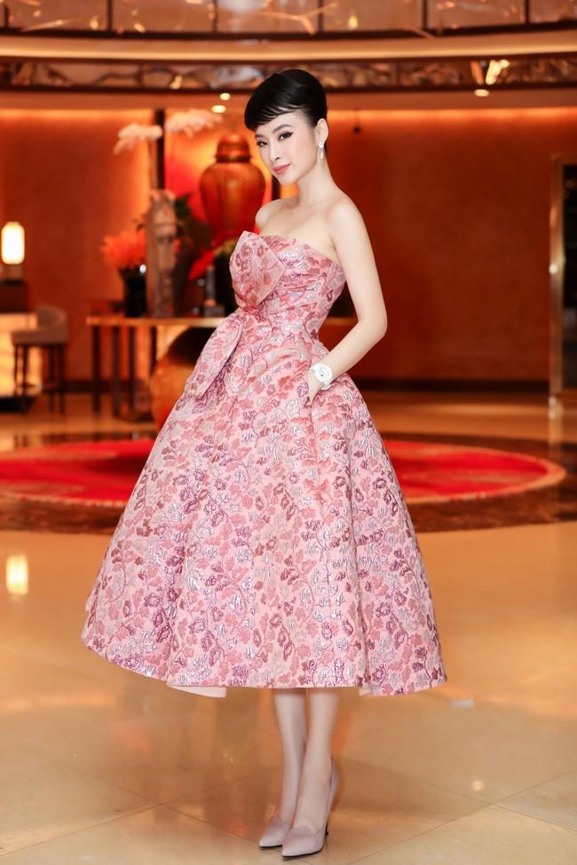 Angela Phương Trinh diện váy khoe vai trần gợi cảm, sánh đôi Hứa Vĩ Văn dự sự kiện - Ảnh 4.