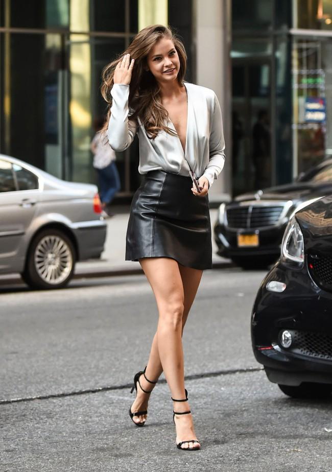 Dàn mẫu sexy chân dài tới nách nô nức casting cho Victorias Secret Show 2018, mẫu bạch biến Winnie Harlow lần đầu trúng show - Ảnh 3.