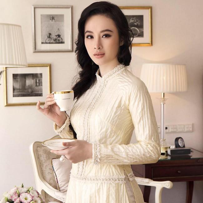 Mặc váy đầm lộng lẫy thôi là chưa đủ, phải trang điểm đẹp, chọn son môi xuyệt tông nhưng Angela Phương Trinh mới hoàn hảo - Ảnh 10.