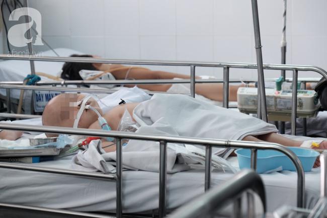 Bé gái 32 tháng tuổi nhiễm trùng nặng sau tiêm ngừa và con số báo động: 55% nhân viên y tế tại Việt Nam chưa biết tiêm an toàn - Ảnh 2.