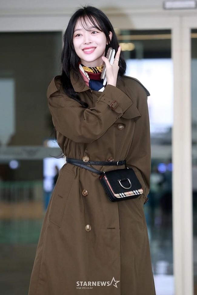 Hiếm khi Sulli kín cổng cao tường, netizen không chê mà còn đồng loạt khen ngợi cô xứng với đẳng cấp nữ thần - Ảnh 4.