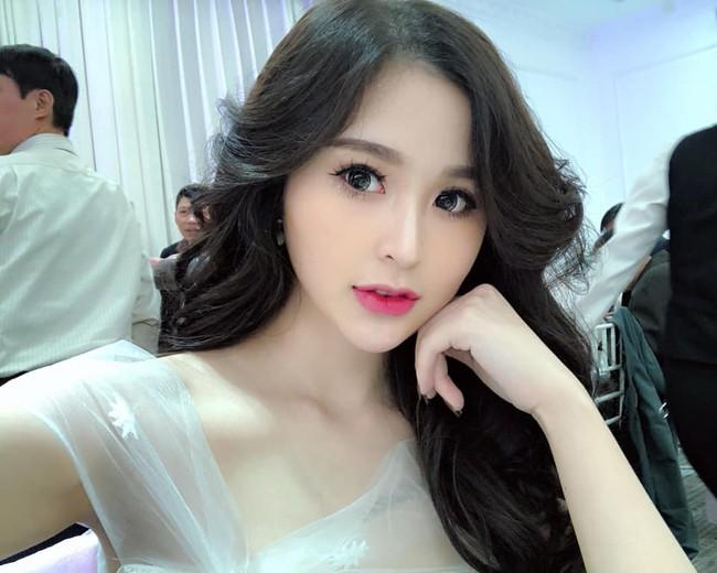 2 con gái diễn viên Thanh Tú cháo  lòng: Chị là tiếp viên hàng không sắc sảo, em tươi trẻ dịu dàng  - Ảnh 6.