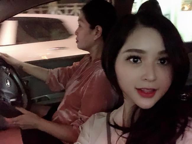 2 con gái diễn viên Thanh Tú cháo  lòng: Chị là tiếp viên hàng không sắc sảo, em tươi trẻ dịu dàng  - Ảnh 10.