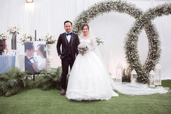 Tiến Đạt vừa rước tình mới về làm vợ, Hari Won đã có động thái bất ngờ đến kinh ngạc này - Ảnh 3.