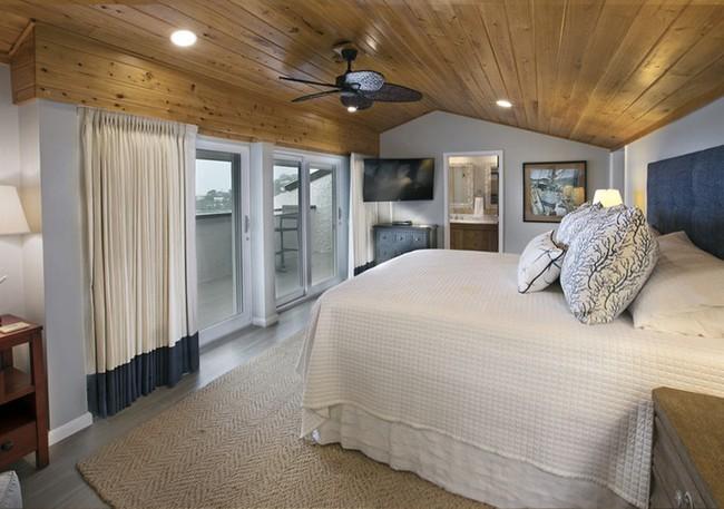 Phòng ngủ ấm cúng vào mùa đông, mát mẻ khi vào hè với trần nhà bằng gỗ tự nhiên - Ảnh 10.