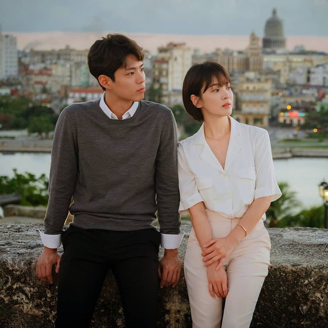 Với 4 tips diện đồ ai cũng học được, Song Hye Kyo vừa hóa nữ thần công sở lại cưa đổ trai trẻ trong Encounter - Ảnh 3.