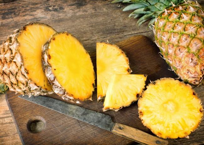 Ăn dứa không chỉ tốt vào mùa hè mà còn cực tốt vào mùa đông, lý do được tiết lộ chính là… - Ảnh 1.