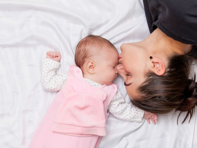 Lí giải của các nhà khoa học vì sao bé sơ sinh lại có mùi thơm quyến rũ mẹ nào cũng muốn hít hà mãi - Ảnh 2.