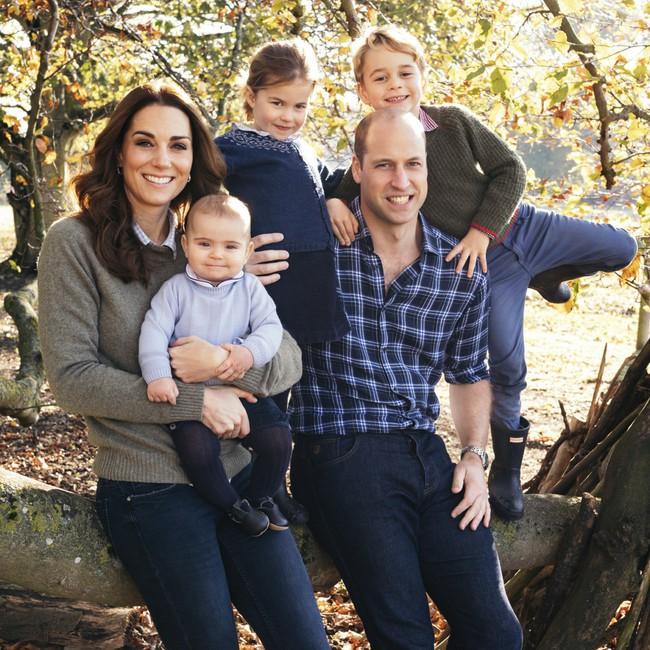 Đâu chỉ có ở Anh, các em bé hoàng gia trên khắp thế giới cũng toàn cực phẩm, xinh như thiên thần, đại diện châu Á đáng gờm không kém - Ảnh 1.