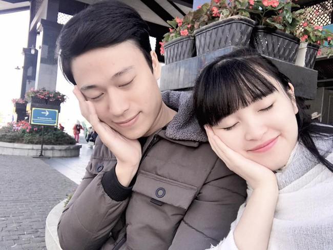 Mẹ nuôi 9X của em bé Lào Cai chuẩn bị lâm bồn, lên bàn đẻ vẫn xinh đẹp khó tin - Ảnh 4.