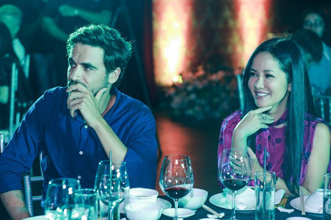 Hồng Nhung bất ngờ xuất hiện tình tứ cùng trai lạ, nghi vấn có người mới sau hôn nhân đổ vỡ - Ảnh 2.