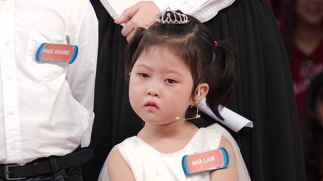 """""""Nữ hoàng triệu view"""" 4 tuổi trở lại khiến Trấn Thành gục ngã tại Nhanh như chớp nhí - Ảnh 4."""