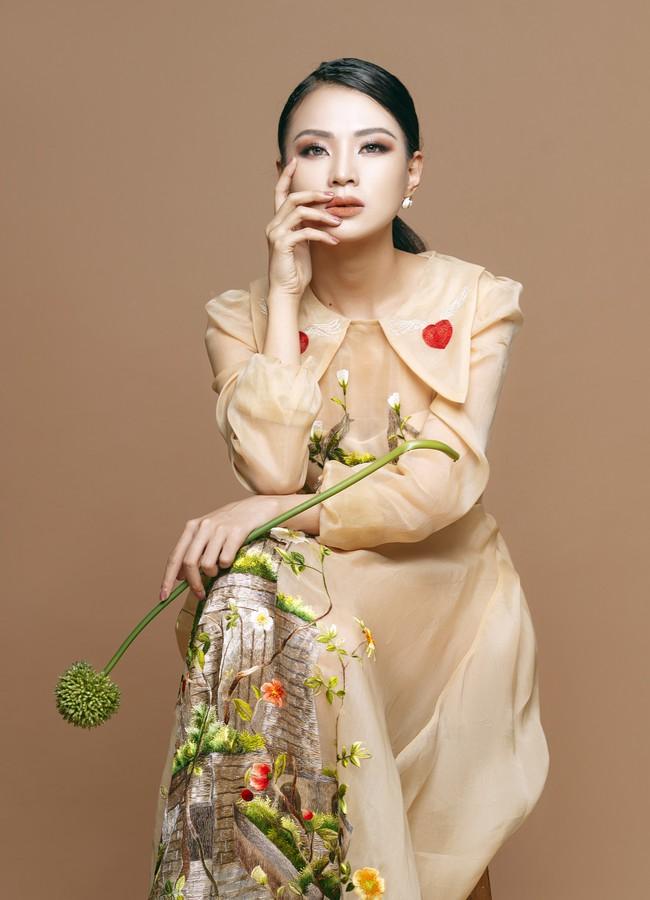 Cô gái được mệnh danh thiên thần Bolero từng khiến Hari Won ghen lồng lộn ra mắt MV mừng xuân mới - Ảnh 4.