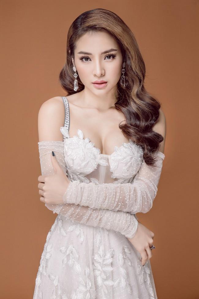 Phương Trinh Jolie cặp kè trai trẻ, ngọt ngào hát nhạc phim của Thu Trang  - Ảnh 9.