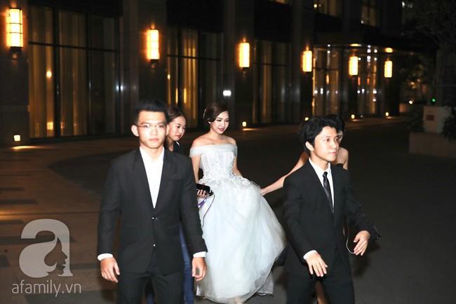 Đây là những khách mời showbiz hiếm hoi trong đám cưới của rapper Tiến Đạt tại Sài Gòn, không có Hari Won - Ảnh 7.