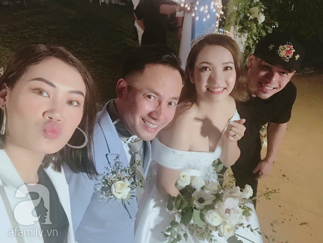 Đây là những khách mời showbiz hiếm hoi trong đám cưới của rapper Tiến Đạt tại Sài Gòn, không có Hari Won - Ảnh 8.