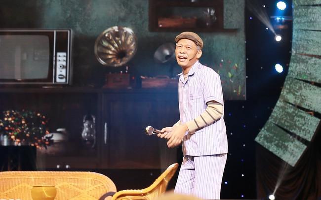 Sau loạt ồn ào với Tuấn Hưng, Duy Mạnh bất ngờ lịch lãm như quý ông trong đêm nhạc cùng Bằng Kiều - Ảnh 10.