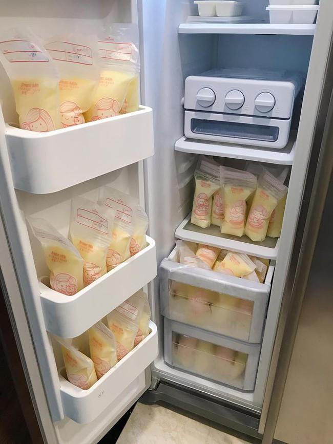 Từ sữa vắt ra chỉ đủ tráng bình, MC Hồng Nhung quyết tâm kích sữa, hút được 2,5 lít sữa đặc sánh mỗi ngày - Ảnh 11.