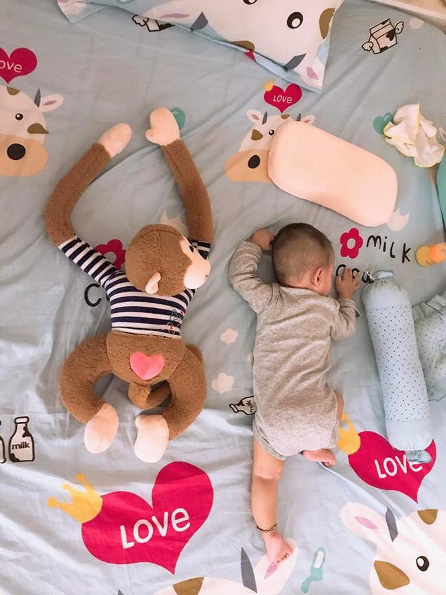 Ông bố của hiếm tiết lộ bí quyết luyện con ngủ xuyên đêm chỉ sau 1 tuần, chỉ cần đặt xuống giường là say giấc - Ảnh 4.