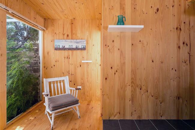 Ngôi nhà hot rần rần vì diện tích cực nhỏ và tiết kiệm chi phí nhờ làm từ chất liệu gỗ và Polycarbonate - Ảnh 7.