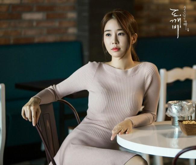 Yoo In Na ngày càng xinh đẹp bất ngờ gây sốc trong phim mới, bí quyết giữ dáng của cô nàng chính là… - Ảnh 6.