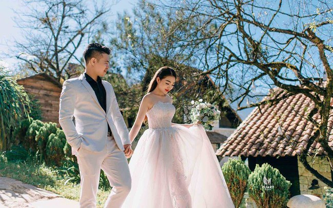 Nhan sắc lộng lẫy, gia thế đáng gờm của cô dâu sống trong lâu đài, đám cưới ngập vàng ở Nam Định - Ảnh 8.
